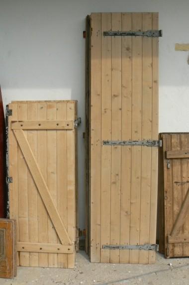 decapage volet bois par bain id e int ressante pour la conception de meubles en bois qui inspire. Black Bedroom Furniture Sets. Home Design Ideas